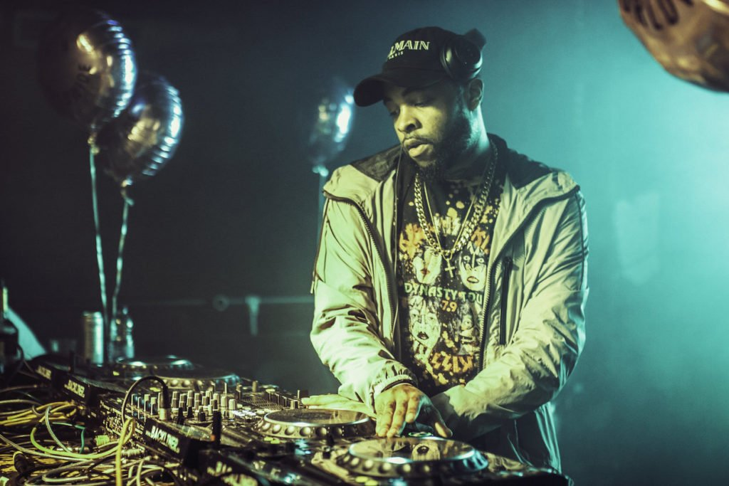 Jersey Club DJ playing remix